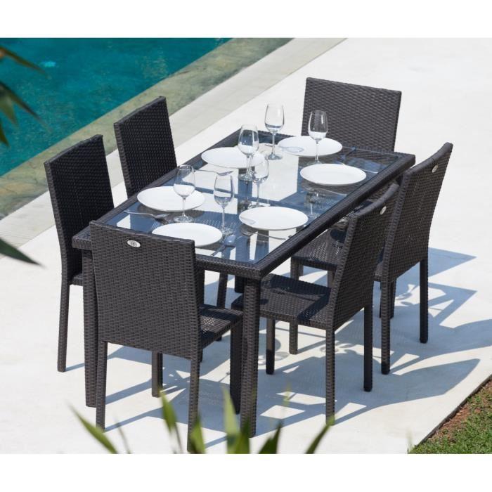 table de jardin et chaises